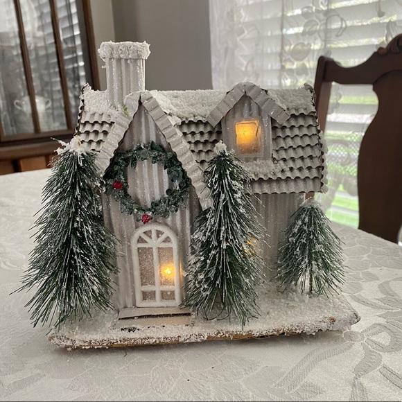 Putz lighted glitter house